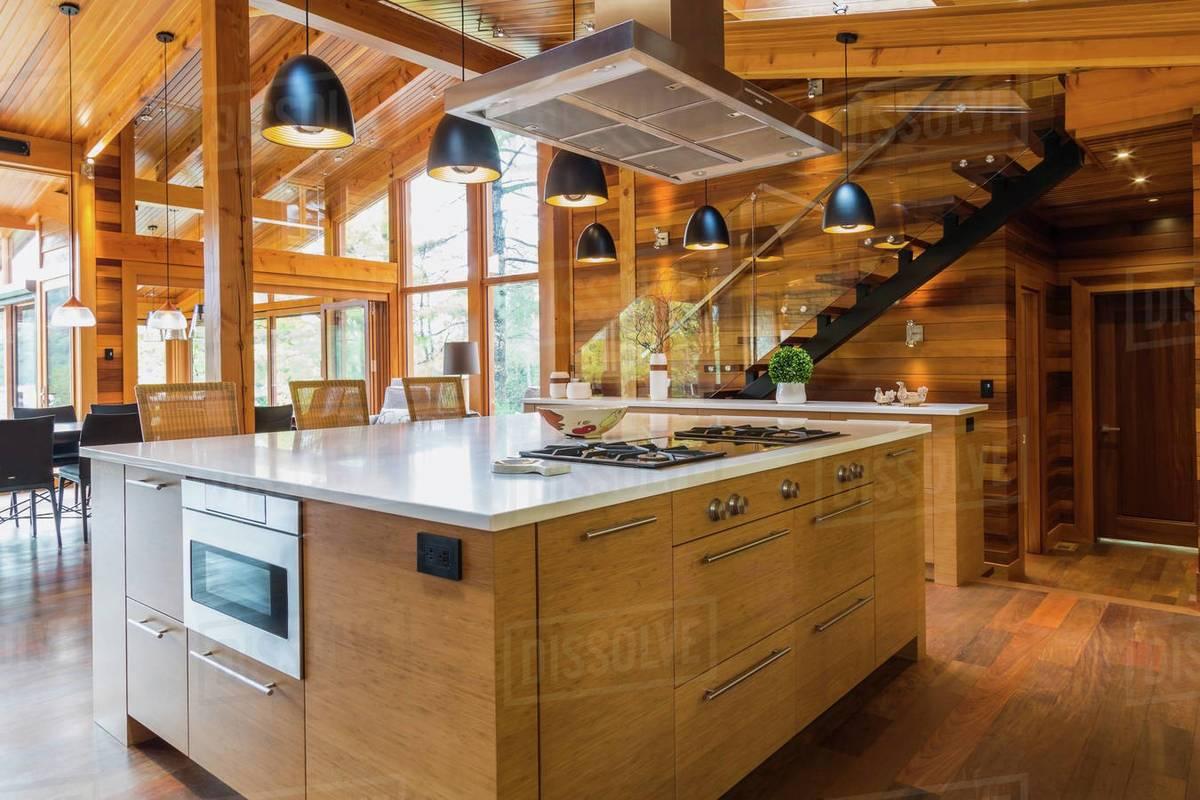 Không gian bếp bằng gỗ tre ép tấm