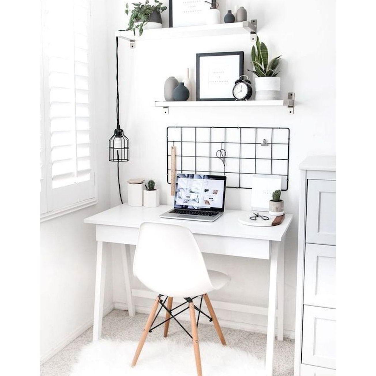 bàn làm việc màu trắng xinh xắn
