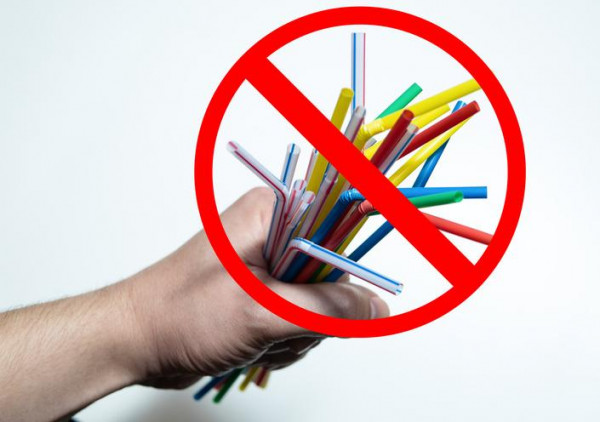 Nói không với ống hút nhựa là góp phần bảo vệ môi trường