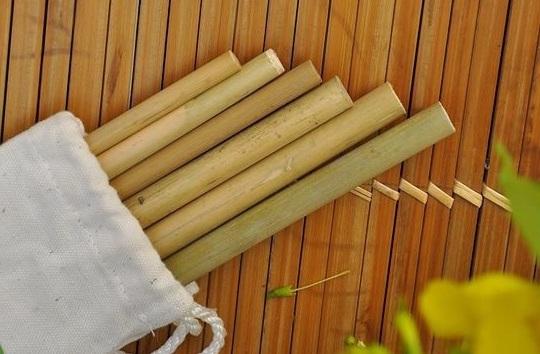 Bộ ống hút tre trong túi vải nhiều kích thước