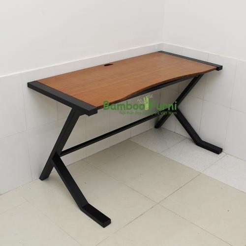 mẫu bàn gỗ tre chân độc đáo