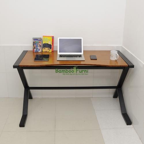 gỗ tre ghép được ứng dụng làm bàn làm việc tiện lợi